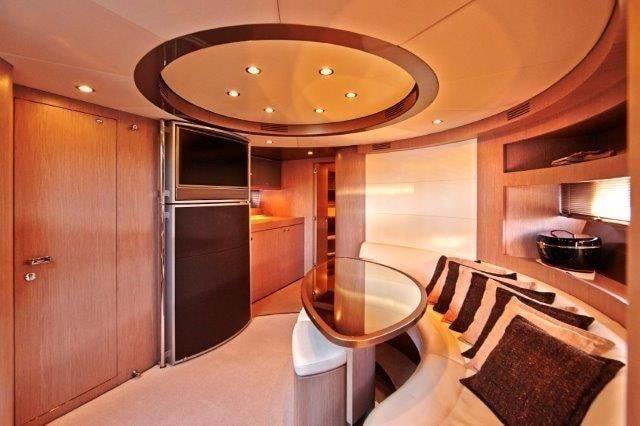 Ibiza Boat Deals RIVA RIVALE 52 I interior (3)