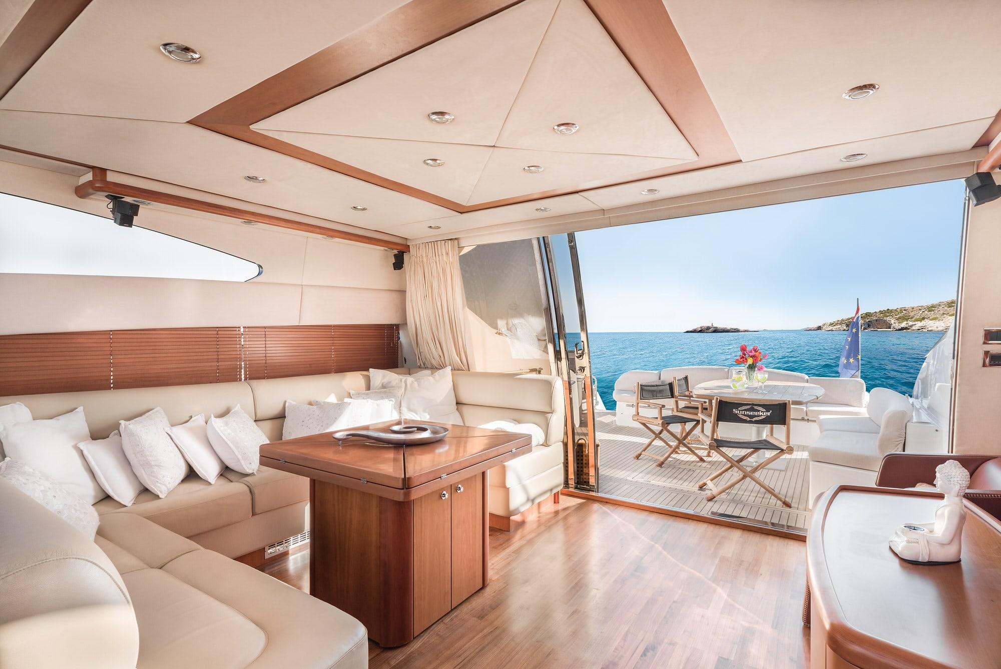Ibiza Boat Deals SUNSEEKER PREDATOR 72 Q interior (1)