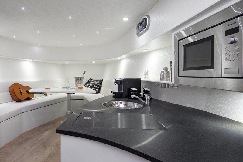 Ibiza Boat Deals VANQUISH VQ43 interior (5)