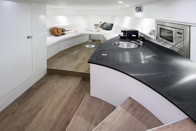 Ibiza Boat Deals VANQUISH VQ43 interior (6)